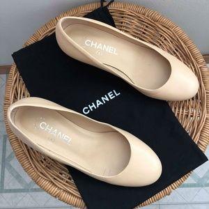 Chanel Beige Leather Pump, Round Toe, Block Heel